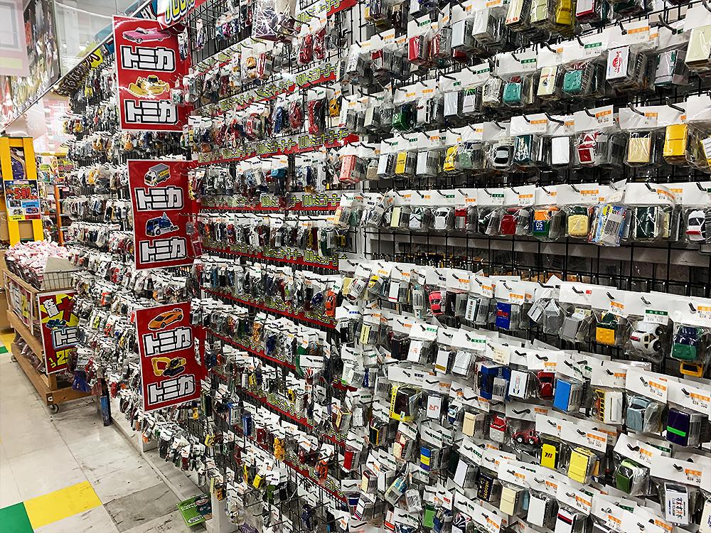 ミニカー・トミカ売り場
