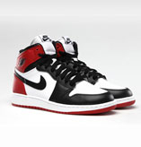 "AIR JORDAN1 RETRO HI OG ""つま黒"" 2013年"